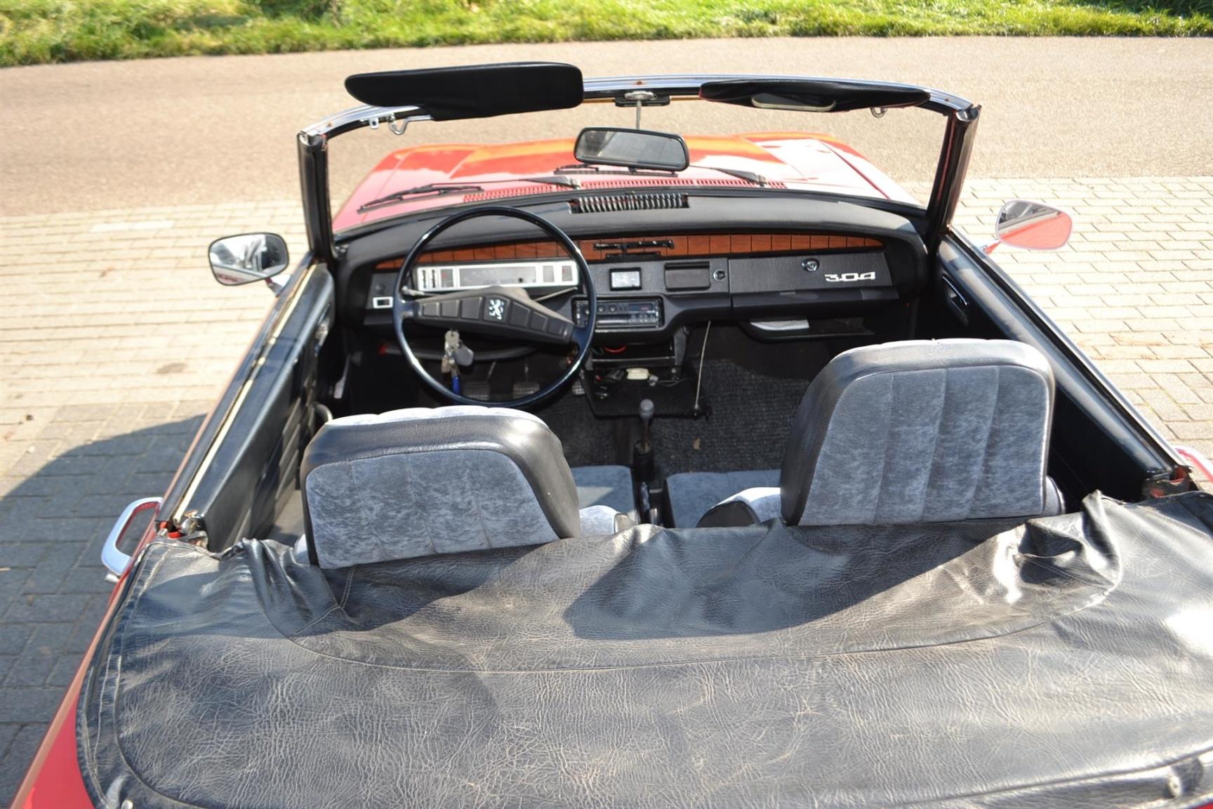 Peugeot-304-18