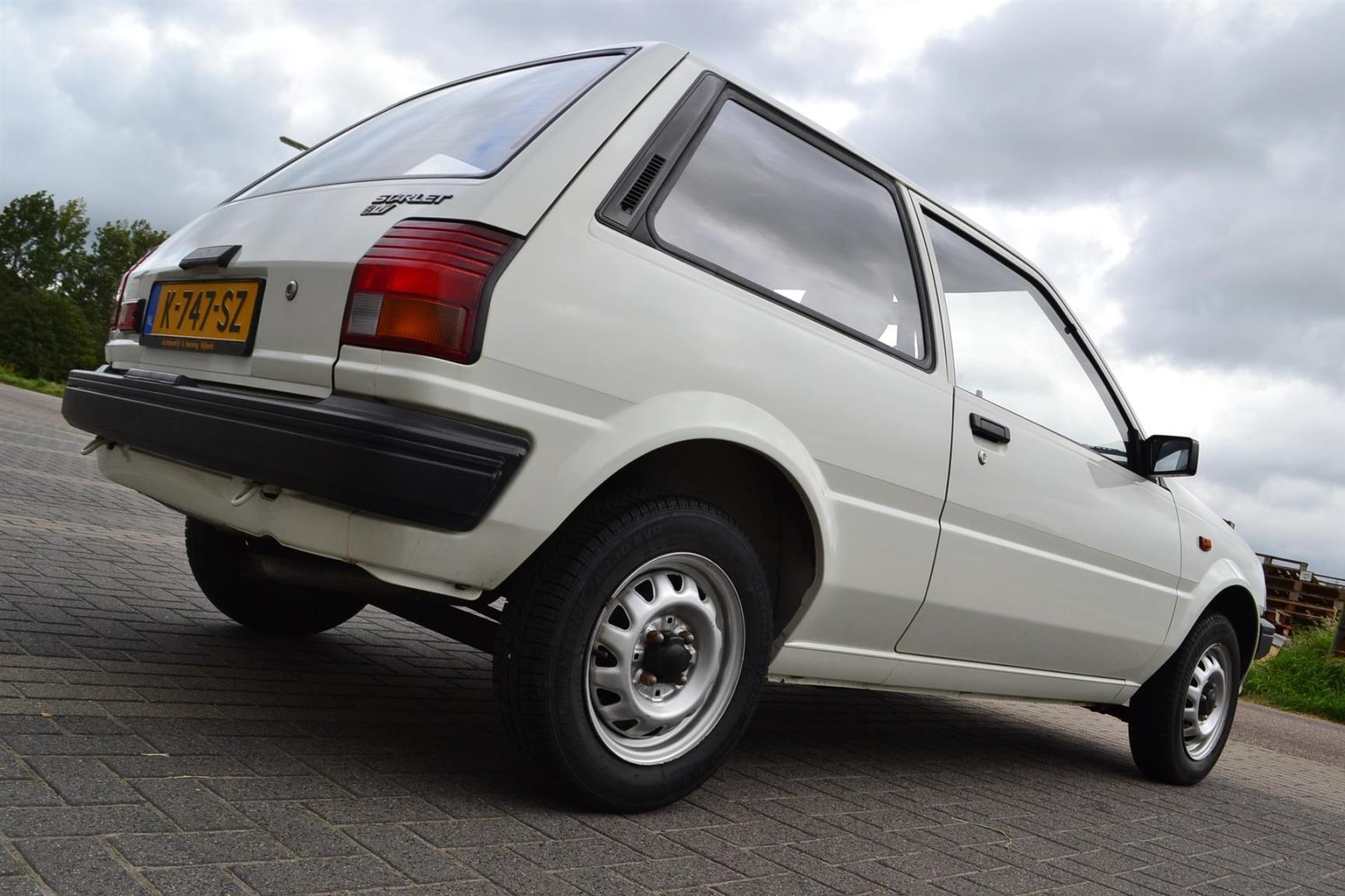 Toyota-Starlet-7