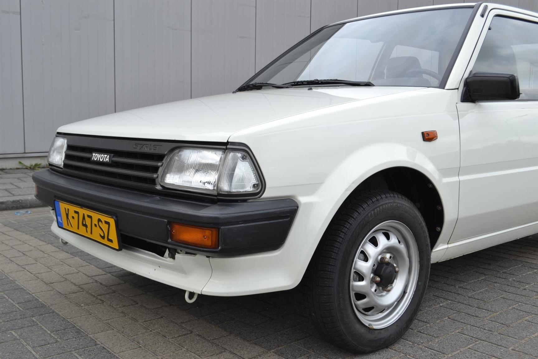 Toyota-Starlet-28