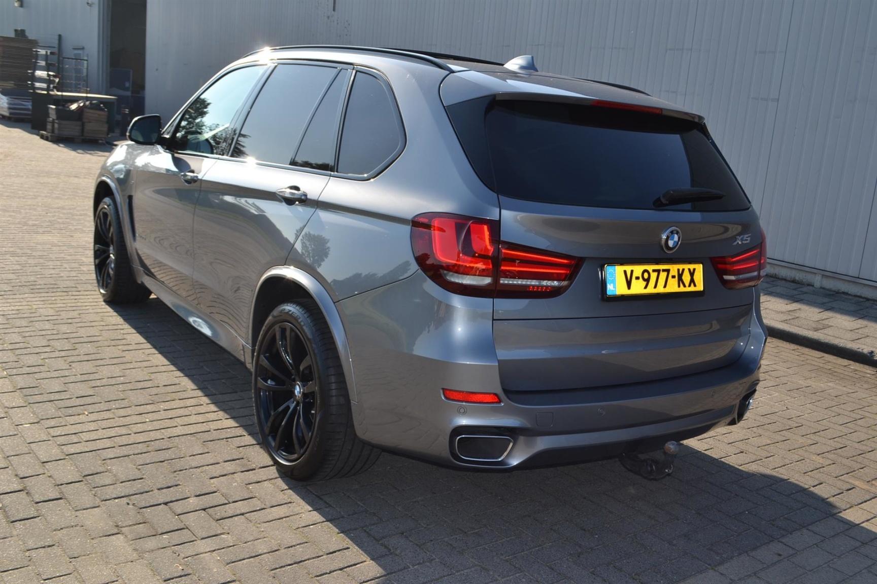 BMW-X5-34