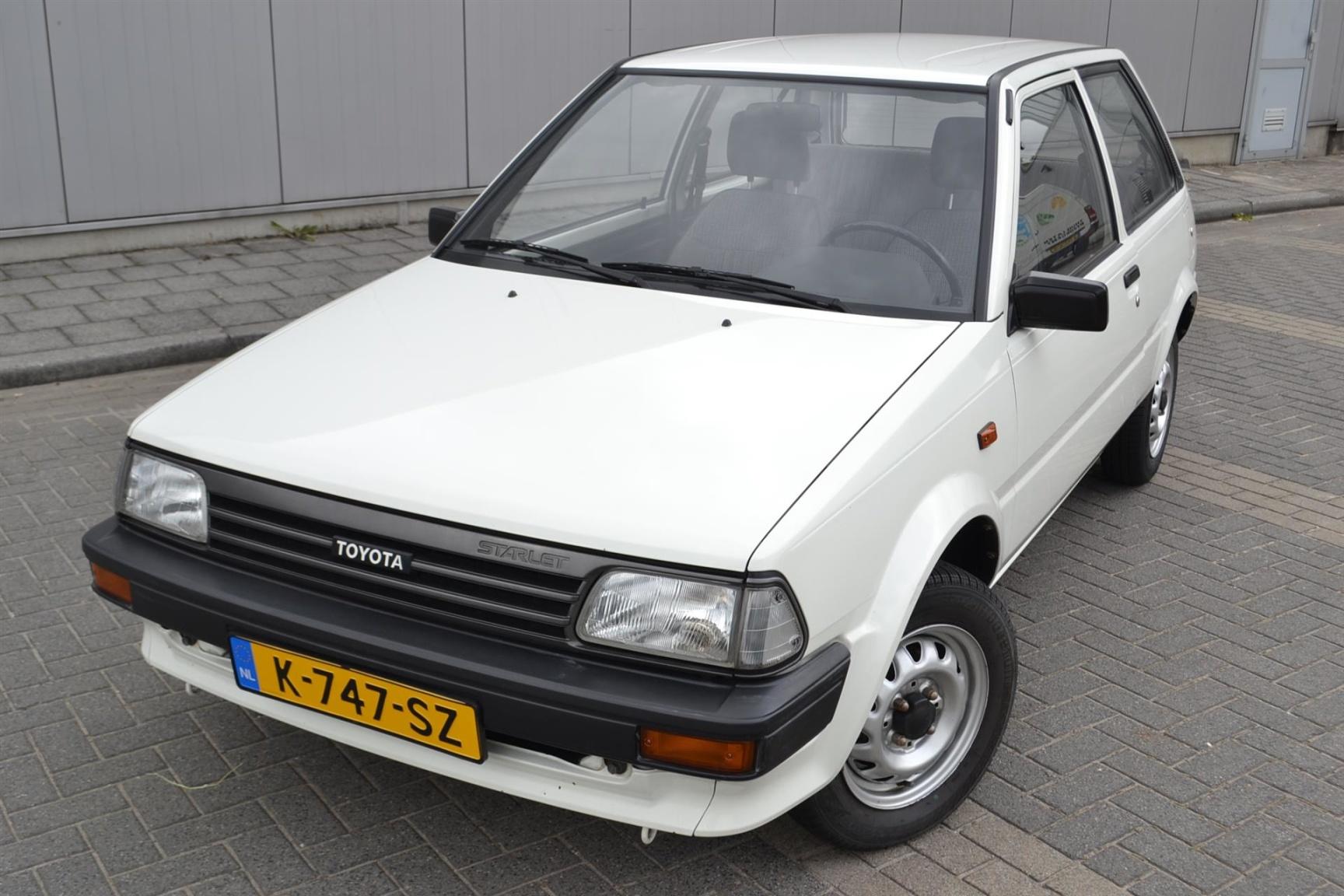 Toyota-Starlet-3
