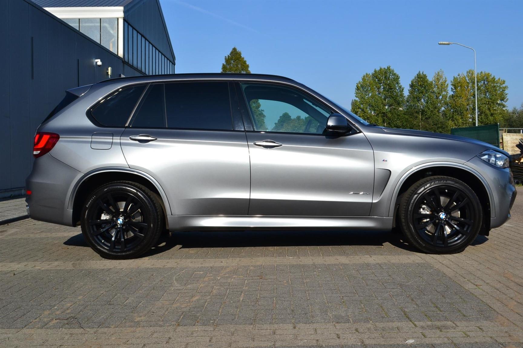 BMW-X5-37