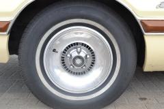 Ford-Thunderbird-37