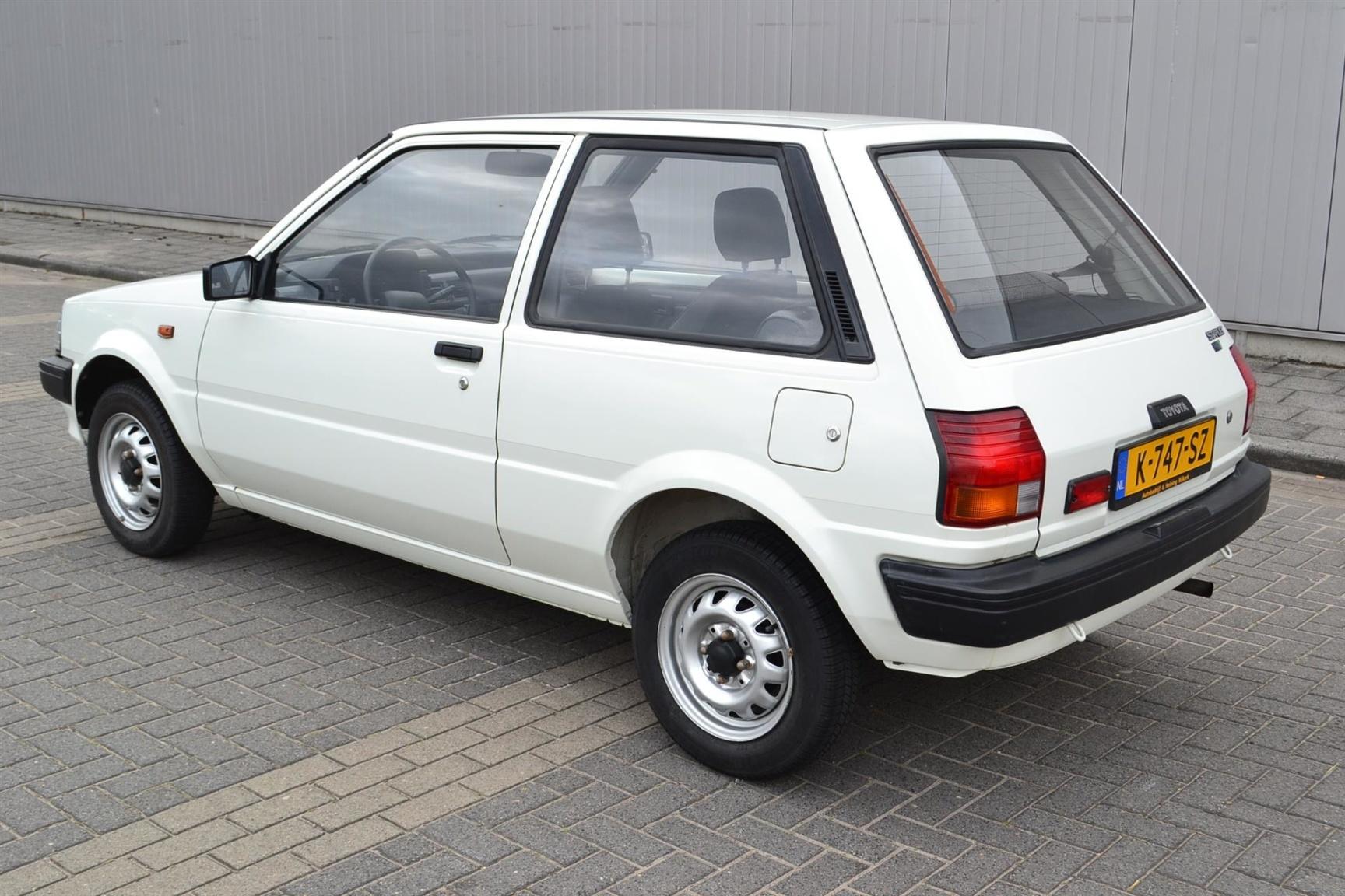 Toyota-Starlet-24