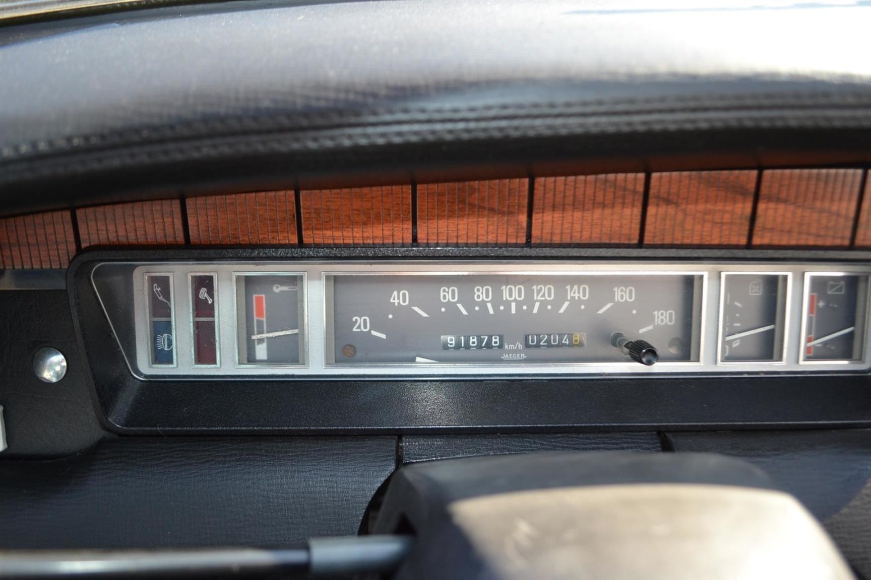 Peugeot-304-23