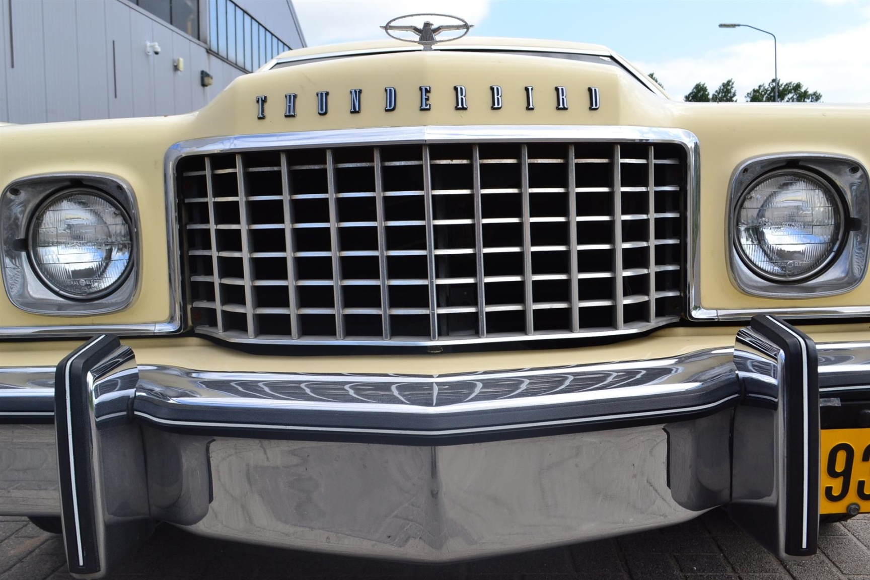 Ford-Thunderbird-38